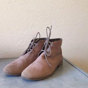 Steve Madden women's suede ankle chukka boot